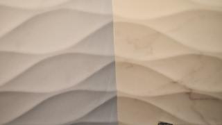 Идеальный внутренний угол из рельефной плитки. Александр Оробейко(Идеальный внутренний угол из рельефной плитки. Александр Оробейко Укладка плитки в Бресте. Александр Ороб..., 2017-01-26T18:15:58.000Z)