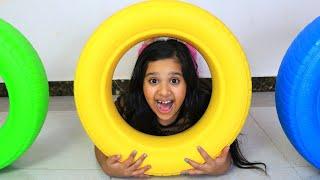 يلعب الأطفال بعجلات ملونة children play with color wheels