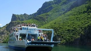 Traget Alpin. Прогулка на пароме Alpin по Команскому водохранилищу в Албании(12 июня 2015 года мы отправились в Вальбону в Албанских Альпах на выходные. Наш путь лежал через Команское..., 2015-07-10T16:04:31.000Z)