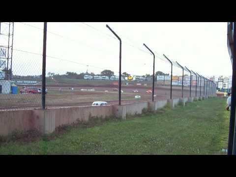 Charter Raceway Park 8-4-08 Legends Heat
