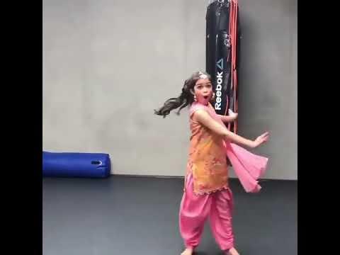 Jutti Patiale Di Aa | Kaur B | Punjabi Cutest Girl Dance / Bhangra