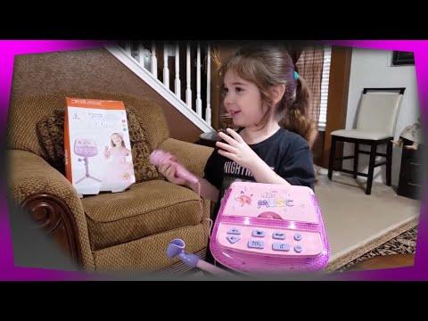 Dream Star Kids   Karaoke Machine Microphone Stand (Pink)