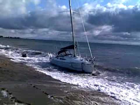 Segelyachten im sturm  Großenbrode : Segelyacht in Seenot -Sailboat wreckage - YouTube