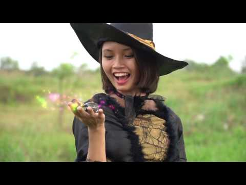 Jade Rabbit Bait Superman ✦ SuperHero Fun In Real Life ✦ Zuizui Tv