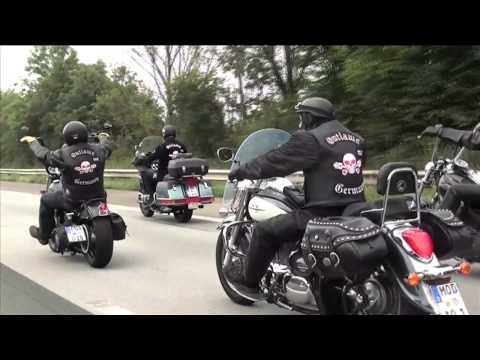 Motorradkorso und bewegende Trauerfeier für verunglückten Thorsten Kammerer
