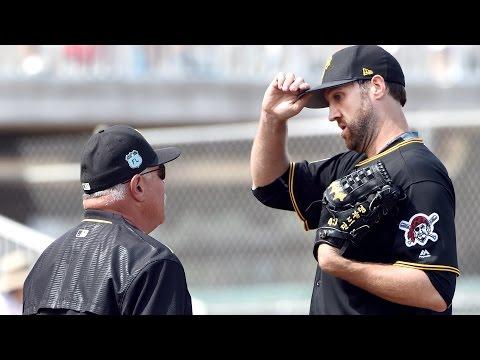 Pirates pitcher Josh Lindblom