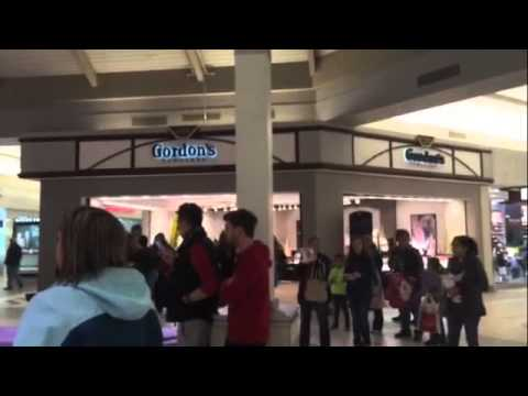 Christmas carol flash mob at Longview Mall
