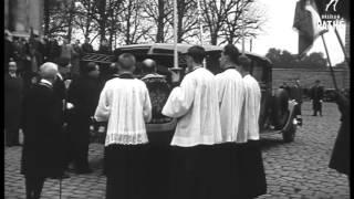 Video Funeral Of Queen Amelia Of Portugal (1951) download MP3, 3GP, MP4, WEBM, AVI, FLV November 2017