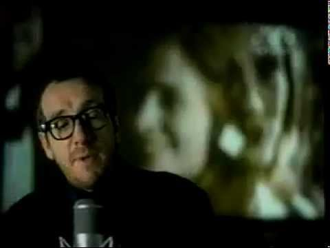 Elvis Costello - SHE (with Lyrics)_Movie Notting Hill.flv