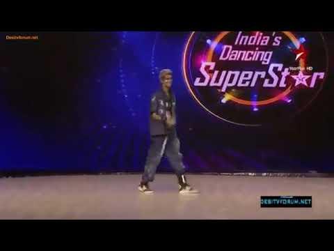 'Abhi mujh main kahin,' robotic dance by Amardeep