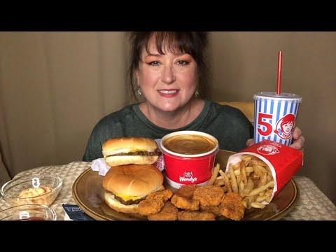 Wendy's Mukbang !   Burger  Chili  Chicken Nuggets   Fries  Chit-Chat!