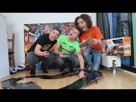 REAL LIFE ROBOTIC RACING! – ANKI OVERDRIVE
