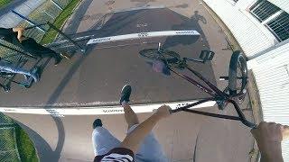 Soczyste triki i upadki na BMX