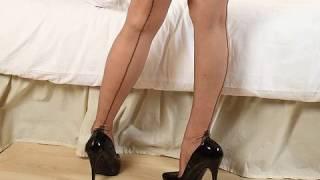042 Legs In High Heels And Stockings Ноги на высоких каблуках и в чулках