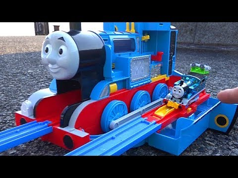 Big Thomas Coal toys & Thomas Plarail Let's Go to Lake Biwa! Chuggington Train toys