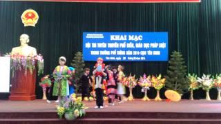 Chào hỏi thi Tìm hiểu pháp luật cho em năm 2014 trường PTDT Nội Trú huyện Yên Minh.