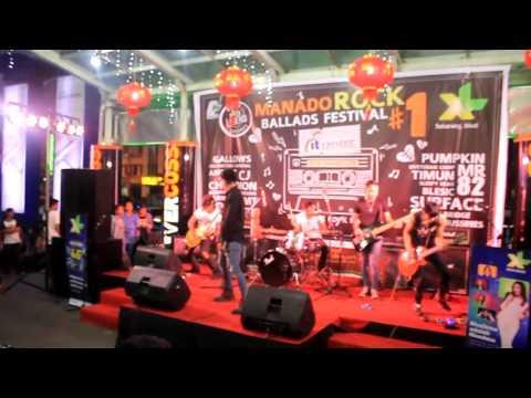Mr.82 - Rock N' Roll Queen live in Manado Rock Ballads