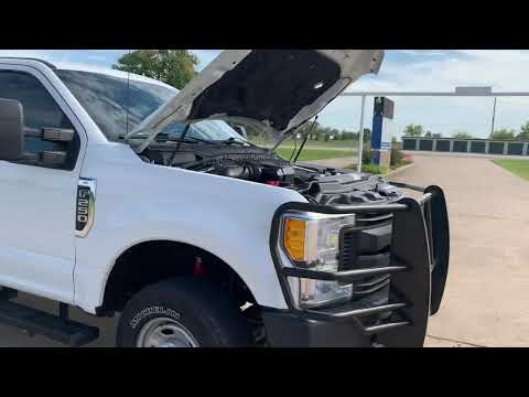 2017 WHITE Ford F-250 Crew Cab 4WD (1FT7W2B60HE) with an 6.2L V8 OHV 16V engine, 6A transmission, located at 17760 Hwy 62, Morris, OK, 74445, (918) 733-4887, 35.609104, -95.877060 - Photo #0