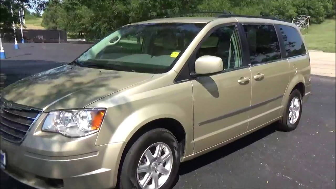 Town And Country Honda >> Used 2010 Chrysler Town Country For Sale At Honda Cars Of Bellevue An Omaha Honda Dealer