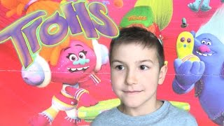 Happy Meal Trolls hat from box kids channel SanSanychTV Хеппи Мил МакДональдс Тролли Funny Chipmunk(, 2017-03-05T13:00:01.000Z)
