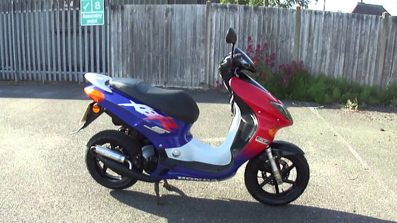 2002 Honda Szx50s 1 Xr8 S Fast Deristricted Scooter Moped Vgc New