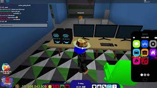 63il YT Playing random games on roblox !