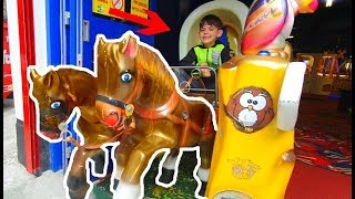 Alex Montando a Caballos * Token Rides for Kids
