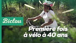 À Paris, des adultes découvrent le vélo pour la première fois