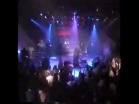 Bobby Brown - Don't Be Cruel - Live (New Years Eve 1988)