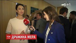 Наталія Кличко 'трусить великі дерева', щоб заробити на сольну кар'єру