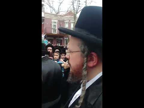 Belzer Rebbe Leaving Belz Shul Montreal - 5-4-2018