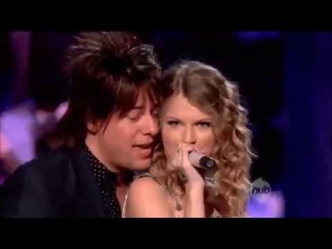 Taylor Swift VS Miley Cyrus LIVE BATTLE