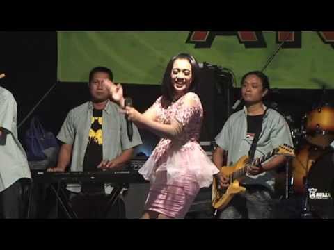 Vivi Rosalita   Suket Teki SURYA DINATA Live In Wonokalang, Wonoayu   Sidoarjo