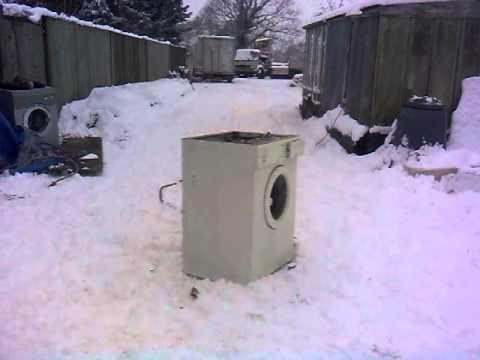 self destructing washing machine mashup doovi. Black Bedroom Furniture Sets. Home Design Ideas