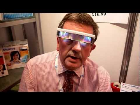 Treating SAD through Light therapy - Demonstration of The Luminette Sad light light visor