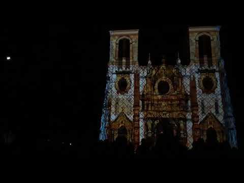 San Antonio San Fernando Cathedral light show chanting