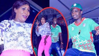 La danse de Ndiolé choc le public sur son duo avec Wally Seck à Pikine...