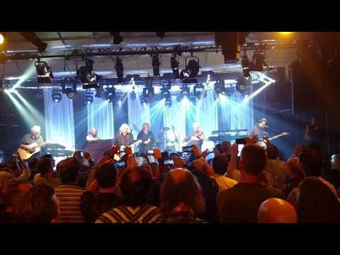 Kansas - Dust in the Wind. Live from I heart Radio Theater. 10.03.2016