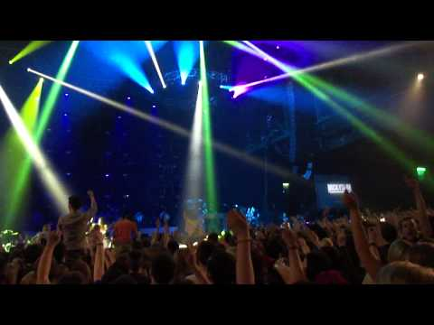 Micky Slim Drops Majestics Remix Of Oasis Wonderwall @ Examples Arena Tour Secc Glasgow 17.02.2013