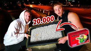 20000 Knallerbsen Vs. Brücke! Experiment! - Gadget Fun!