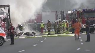 Nach dem Reisebusunfall auf der Autobahn 9 in Oberfranken rechnet d...