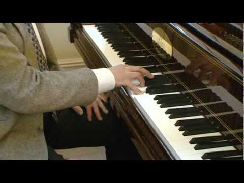 Piano Lesson on How to Play Piano Chords - the basics