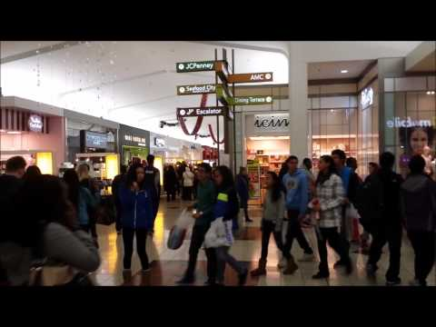 """How """"crazy"""" the southcenter mall is on black Friday"""