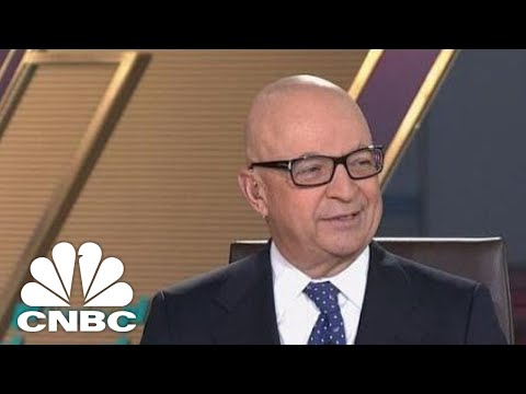 It's A Two-Horse Race Between Amazon And Walmart, Retail Expert Jan Kniffen | CNBC