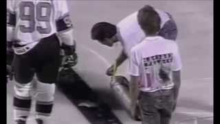 # ThrowBackThursday: Gretzky in Outdoor NHL Game from 91'(, 2015-01-01T05:51:25.000Z)
