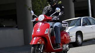 2008 Vespa GTS 250ie Scooter Review