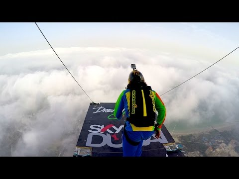Dream Jump – Dubai 4K