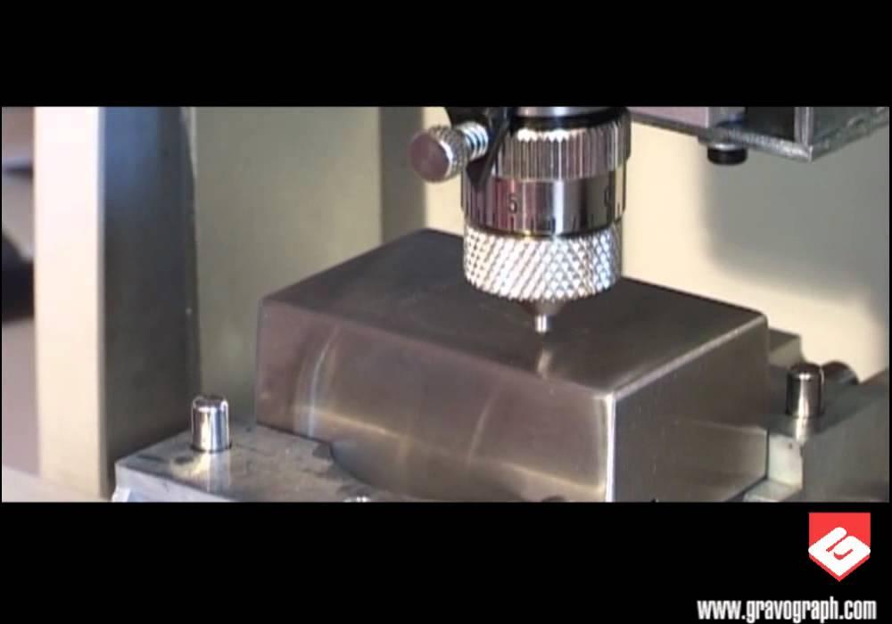 0f025a6487c9 Vídeo: Gravograph - Máquina para grabar modelo M20 - Técnicas del ...