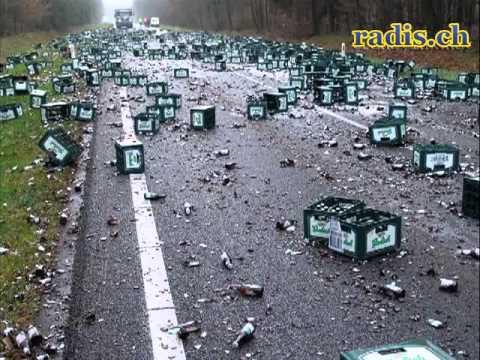 HAMMER! Lustige Unfälle   Witzige Unfälle am Laufmeter! Mix, Auto, Sport, Fussball)