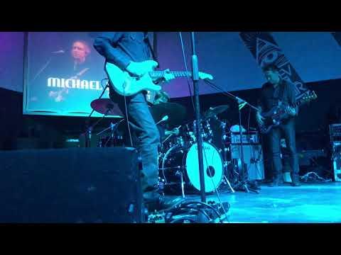 Michael Landau incredible guitar solo on...